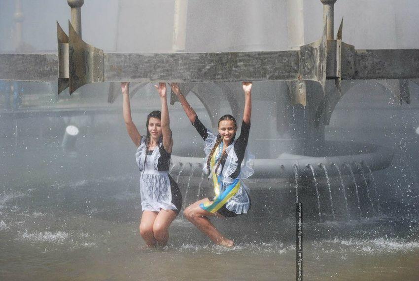 Молоденькие девочки, русские школьницы совсем недавно закончили школу.
